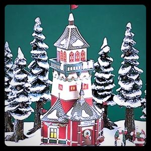 Dept 56 North Pole Santa's Lookout Tower